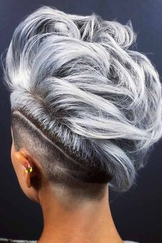 33 Short Grey Hair Cuts and Styles - Hair ColorMohawk With Shaved Stripe ❤ Are you looking for the most flattering short grey hair color ideas and styles? Check out our amazing collection to get Short Punk Hair, Short Hair Cuts, Short Hair Styles, Short Mohawk, Short Grey Haircuts, Blonde Haircuts, Estilo Tomboy, Shaved Hair Designs, Platinum Hair