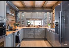 Cabin Homes, Log Homes, Wooden Cabins, Log Cabins, Cabin Interiors, My Dream Home, Homesteading, Kitchen Remodel, Kitchen Cabinets