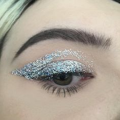 """15 Likes, 1 Comments - Beth Smart x2 (@bethsmartb) on Instagram: """"Glitter 1 ✨