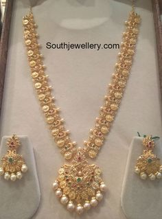 Gold Jewelry Design In India Gold Earrings Designs, Gold Jewellery Design, Necklace Designs, Jewellery Diy, Silver Jewellery, Luxury Jewelry, Jewelry Shop, Gold Haram Designs, Marriage Jewellery
