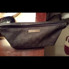 """Authentic Gucci handbag For sale is a Authentic vintage Gucci black handbag in excellent condition minus missing zipper pull. All leather is in tack and just a few scratches on the Gucci sign. Approximately 10"""" across 4"""" height 14""""handle. But in otherwise great condition. Price firm on posh. Gucci Bags Mini Bags"""