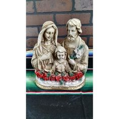 The holy family jose, mary and jesus made of plaster. Its measure is 9 inches.    Made in Mexico.  The holy family  Reference:  HOFA-RE333