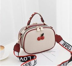 Female package 2019 new small bag lady sweet lady fashion female bag worn one shoulder bag. Cute Mini Backpacks, Stylish Backpacks, Back Bag, Luxury Purses, Side Bags, Cute Purses, Girls Bags, Mode Outfits, Backpack Bags
