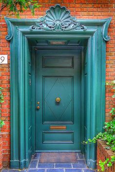 House exterior green entrance for 2019 Cool Doors, The Doors, Unique Doors, Windows And Doors, Front Doors, Door Entryway, Entrance Doors, Doorway, Entrance Ideas