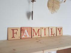 20210723_145719 Tuile, Bathroom Hooks, Boutique, Decorative Wooden Letters, Scrabble Letters, Painted Wood, Boutiques