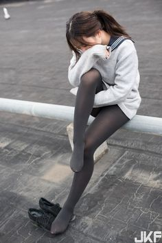 愼 ☼ ριητεrεsτ policies respected.( *`ω´) If you don't like what you see❤, please be kind and just move along. Cute Asian Girls, Beautiful Asian Girls, Cute Girls, School Girl Japan, School Girl Dress, Grey Tights, Fashion Tights, Girls In Leggings, Japanese Girl