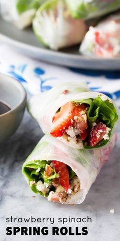 Strawberry Spinach S  Strawberry Spinach Salad Rolls: 90 calories each, only 6-ingredients and 10 minutes to make, and a video to show you how easy they are to roll!!  https://www.pinterest.com/pin/285556432606647103/
