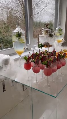 Party Drinks Alcohol, Alcohol Drink Recipes, Cocktail Drinks, Alcoholic Drinks, Cocktail Party Food, Summer Drinks, Fun Drinks, Brunch Drinks, Brunch Food
