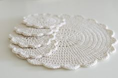 Handy Crafter: Crocheted Shabby Chic Doilies & Placemats