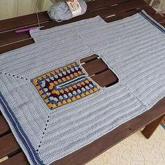 Fabulous Crochet a Little Black Crochet Dress Ideas. Georgeous Crochet a Little Black Crochet Dress Ideas. Crochet Hippie, Pull Crochet, Gilet Crochet, Mode Crochet, Black Crochet Dress, Crochet Cardigan, Crochet Granny, Crochet Crafts, Crochet Yarn
