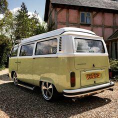 Volkswagen Transporter, Beetles Volkswagen, Vw Bus T2, Volkswagon Van, Vw Camper, Volkswagen Minibus, Camper Van Life, Volkswagen Golf, Campers