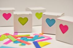 favor boxes (smittenonpaper.blog)