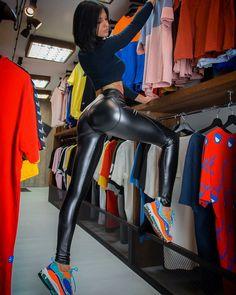Lederhosen, Beautiful Legs, Leather Leggings, Workout Wear, Lady, Blond, Fit Women, Tights, Outfits