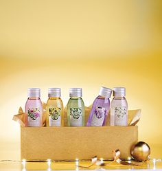 5 Travel-Size Shower Gels Kit! The perfect way to enjoy a shower! #giftideas #beauty #yvesrocher