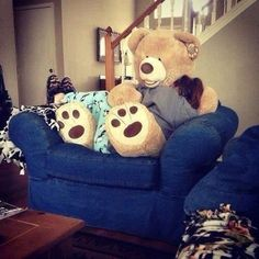 I Want This Huge Teddy Bear ;) If Someone Would Give Me This, I Would Love  Them Forever
