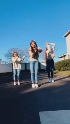 Ballet Dance Videos, Hip Hop Dance Videos, Dance Workout Videos, Dance Music Videos, Dance Tips, Dance Choreography Videos, Dance Poses, Wedding Dance Video, Beautiful Girl Dance