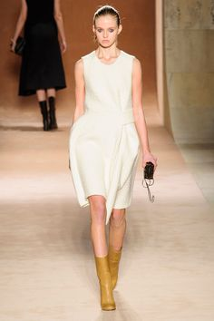Victoria Beckham Fall 2015 Ready-to-Wear Collection  - ELLE.com