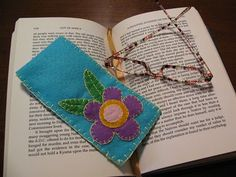 Stitched glasses case made from felt...quick and easy project tutorial!