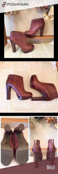 "ALDO Heeled Ankle Boots with Back Zipper Just Beautiful! These ankle boots bring you to new heights as you hustle through your day! The 5"" heel is comfortably supported by a 1"" platform that allows you to walk without hurting your feet. EUC with only natural, light markings on the leather. Enjoy! Aldo Shoes Ankle Boots & Booties"