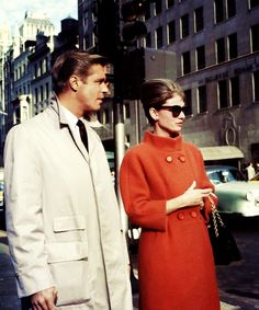 George Peppard and AudreyHepburnfilmingBreakfast at Tiffany's (1961)