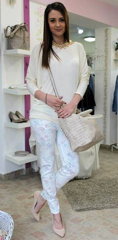 Flowery jeans Trouser Jeans, Trousers, Pants, Shirt Blouses, White Jeans, Long Sleeve Shirts, Vanilla, Fashion, Bebe