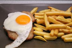 Holstein szelet Hungarian Recipes, Food Network, Curry, Cooking Recipes, Breakfast, Ethnic Recipes, Foods, Drinks, Breakfast Cafe