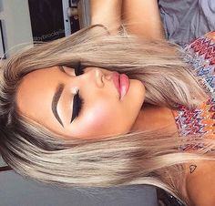 Sharp eyeliner and brows and Contour and highlight on point