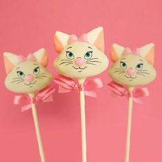 Marie from The Aristocats in Cake Pop Form!