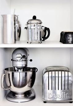 ♕ Mo+mo living ~ happy little kitchen appliances
