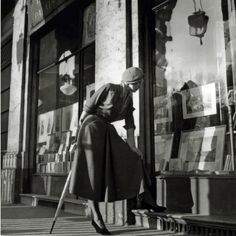 Model wearing an afternoon dress by Christian Dior, Commune of Levallois-Perret, Paris, photo by Willy Maywald Vintage Paris, Dior Vintage, Mode Vintage, Vintage Style, Vintage Winter, Vintage Glamour, 1940s Fashion, Fashion Models, Vintage Fashion
