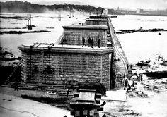 Jacques Cartier bridge, under construction Old Montreal, Montreal Ville, Montreal Quebec, Jacques Cartier, Old Pictures, Old Photos, Vintage Pictures, Photo Vintage, Le Havre