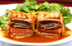 Learn how to make this super indulgent Portuguese sandwich. Sausage Sandwich Recipes, Sausage Sandwiches, Wrap Sandwiches, Portuguese Sausage, Portuguese Recipes, Portuguese Food, Portuguese Lessons, Learn Portuguese, Popular Recipes