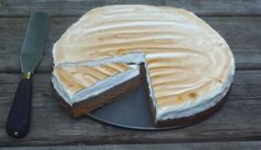 S'mores Cheesecake with Toasted Marshmallow Topping ~ Fearless Homemaker