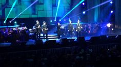 A Whole New World - Il Divo with Lea Salonga - just the perfect mix!!!!
