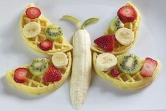Waffle butterfly on a plate lunch snacks, kid snacks, fun snacks for kids, Cute Snacks, Fun Snacks For Kids, Lunch Snacks, Cute Food, Kids Meals, Good Food, Yummy Food, Kid Snacks, Healthy Food