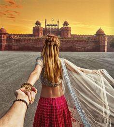 Red Fort, Delhi Girl Who Leads Photographer-Boyfriend Around The World Visits India. The Photos Are Spellbinding Murad Osmann, Namaste India, Visit India, Photo D Art, Travel Couple, Girl Travel, Travel Trip, Travel Goals, Follow Me