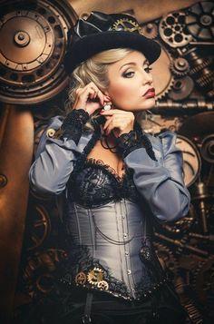 Image SteamPUNK ☮k☮- Diana Lipkina. in Steampunk Style album Steampunk Cosplay, Chat Steampunk, Viktorianischer Steampunk, Steampunk Clothing, Steampunk Wedding, Steampunk Necklace, Steampunk Dress, Design Steampunk, Steampunk Couture