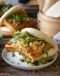 Asian Recipes, Real Food Recipes, Vegetarian Recipes, Ethnic Recipes, Asian Foods, Gua Bao, Hawaiian Dishes, How To Cook Burgers, Bao Buns