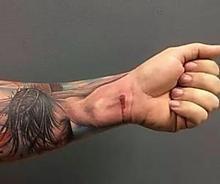 34 Surprising Tattoos That Create Optical Illusions