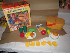 Fisher Price Fun With Food Picnic Basket