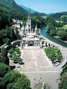 Santuario De Lourdes Lourdes Francia Santuario Catedral