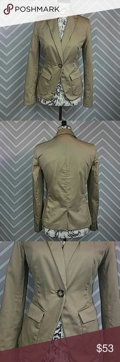 """Jones New York Light Tan Business Blazer Reasonable offers always considered on items over $15! No trades. Don't let this ship lonely, bundle and $ave!  Very gently previously loved. Light camel brown / tan work Blazer. Versatile professional styling. Signature, easy-care, stretch petite. 2 functional front pockets, 1 large front button closure. Light permanent shoulder padding, full collar. Bust approximately 18.5"""" flat, 24"""" total length, sleeve inseam 17"""". 99% cotton, 1% spandex. Lining…"""