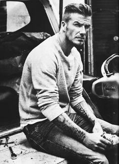 Beckham♥ – This man cannot be human! No human is this gorgeous! Beckham♥ – This man cannot be human! No human is this gorgeous! David Beckham Haircut, David Beckham Style, Celebridades Fashion, Bend It Like Beckham, Men Street, Haircuts For Men, Stylish Men, Gorgeous Men, Sexy Men