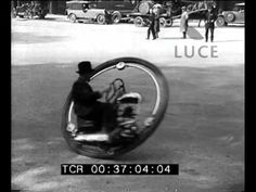 The basic principle of the monowheel is easy enough: build a big enough wheel, and you can fit a rider in it along with a motor to move the whole works forward. Monocycle, Vw Engine, Small Cars, Transportation Design, Go Kart, Dieselpunk, Cool Bikes, Motorbikes, Vintage Cars