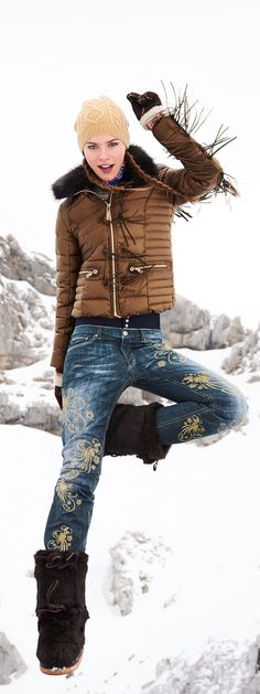 The latest trend in ski fashion is to not look like youre going skiing: the n Apres Ski Party, Go Skiing, Snow Outfit, Ski Wear, Snow Fashion, Winter Wear, Sports Women, Daily Fashion, Neue Trends
