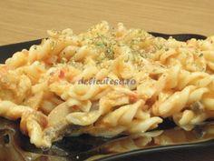 Spirale cu sos de roşii şi piept de pui Macaroni And Cheese, Pizza, Cooking, Ethnic Recipes, Food, Ads, Salads, Baking Center, Koken