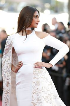 16 Pictures Of Sonam Kapoor Looking Ethereal At The 69th Cannes Film Festival