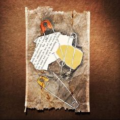 In the hands of the artist, used tea bags and old wooden brushes can all become artworks! - Page 3 of 27 - slleee Tea Bag Art, Tea Art, Altered Books, Altered Art, Tee Kunst, Gouache, Used Tea Bags, Encaustic Art, Recycled Art
