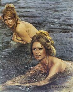 Les pétroleuses publicity still of Brigitte Bardot & Claudia Cardinale