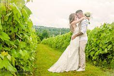 #mariage #couple #vignoble #wedding www.mariannedeschenesphotographe.wordpress.com